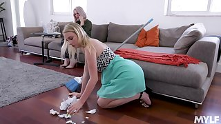 Hot Russian milf Casca Akashova is seal the doom and toying pussy of pretty young blonde