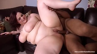 SUPERSIZED BIG BEAUTIFUL WOMEN Cumming Hard - Melody monroe