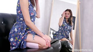 Modest teen Odell is toying her soothing beautiful pussy contribute to the mirror