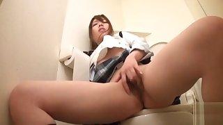 Oriental schoolgirl around a cruel act