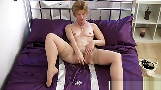 Great Mom Poppy Gives Blowjob Hot Hot Step-son