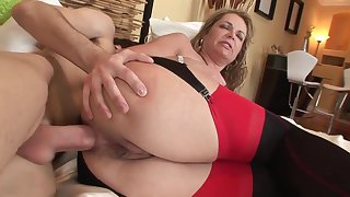 Old added to young anal: big ass adult MILF ass fucked by younger lad